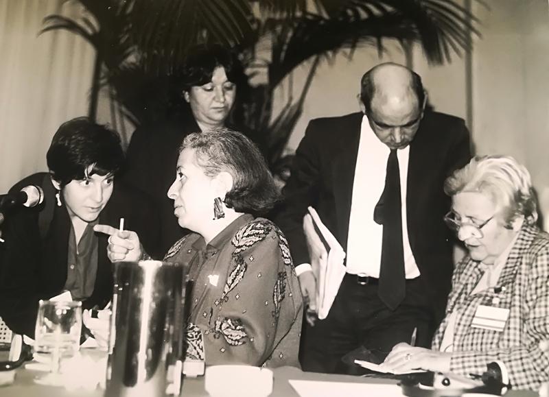 """Convegno Internazionale. """"Israeliane e palestinesi. Quando le donne parlano di pace"""". 16 maggio 1991, Milano. Vera Noufl, Dirigente dell'Organizzazione per la Liberazione della Palestina."""