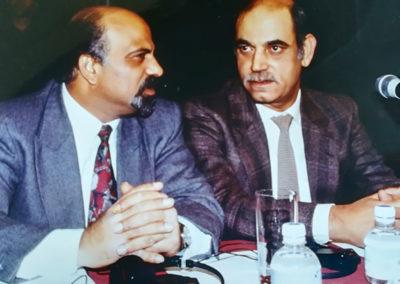 Radwan Abu Ayash con il delegato dell'OLP Nemer Hammad