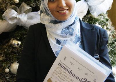 """Convegno """"Musulmani 2G: diritti e doveri di cittadinanza dei giovani musulmani di seconda generazione"""". 2009, Torino. Sara Amzil, rappresentante Associazione Giovani Musulmani d'Italia."""