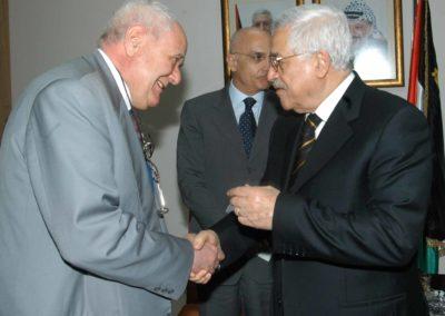 Missione del Sindaco Albertini in Medio Oriente - Janiki Cingoli  con il Presidente palestinese Mahmūd Abbās