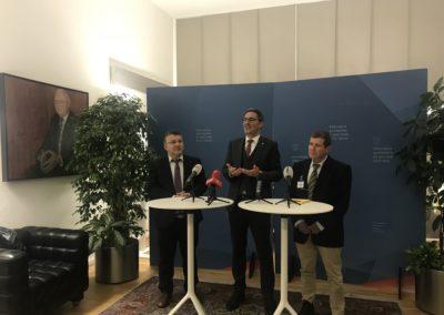 Conferenza stampa del Presidente Arno Kompatcher con i due capi delegazione, Yousef Jabareen e Eyal Ben-Reuven.