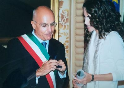 Conferimento dell'Ambrogino d'Oro. 2002, Milano. Il Sindaco Albertini con Sua Maestà Rania Al-Abdullah, Regina del Regno Hascemita di Giordania