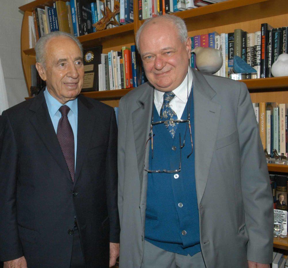 Missione del Sindaco Albertini in Medio Oriente, marzo 2006. Janiki Cingoli con Shimon Peres.