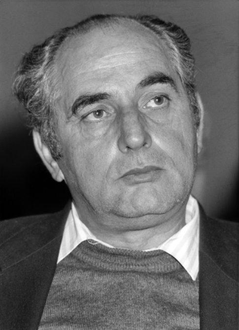 """Convegno Internazionale. """"Prospettive della Pace in Medio Oriente"""".16 Novembre 1989. Milano, Sala Alessi, Palazzo Marino. Faysal al-Husayni, il leader palestinese di Gerusalemme Est."""